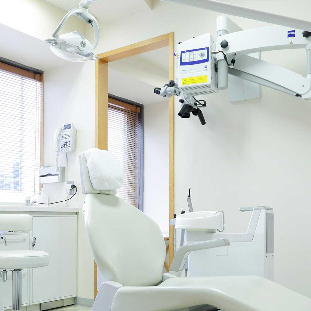 マイクロスコープを導入した歯科診療室