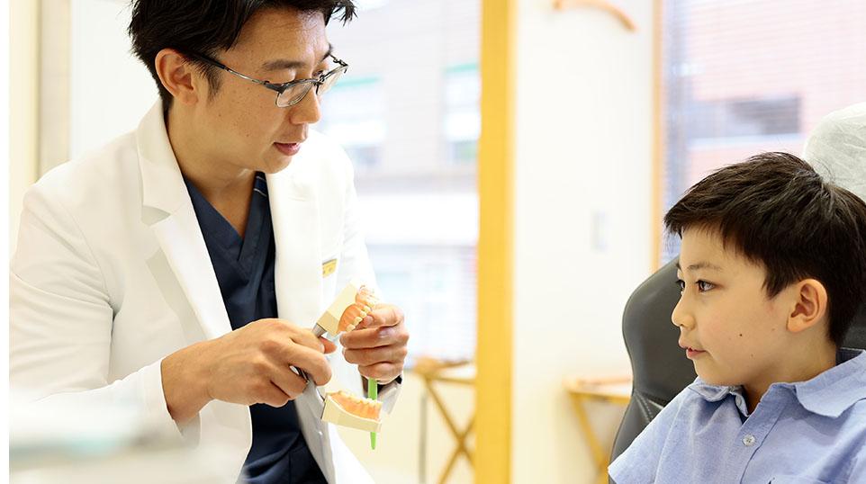 子供と歯科衛生士